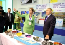 President Nazarbayev familiarized with exhibition of achievements 'Made in Kazakhstan-2015'